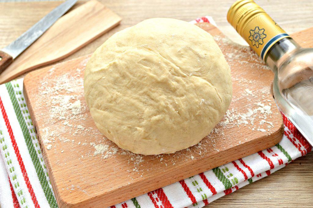 Фото рецепта - Тесто для чебуреков на водке - шаг 7