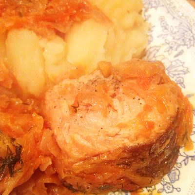 Хек, тушеный под овощной шубой - рецепт с фото