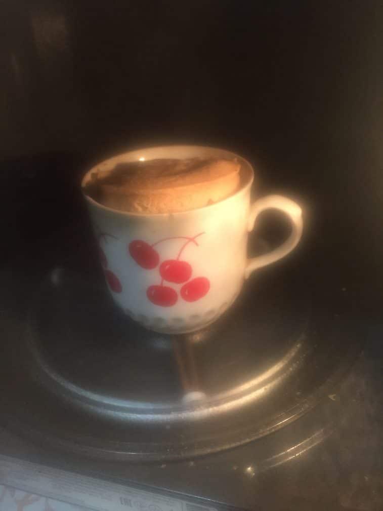 Фото рецепта - Кекс в кружке - шаг 6