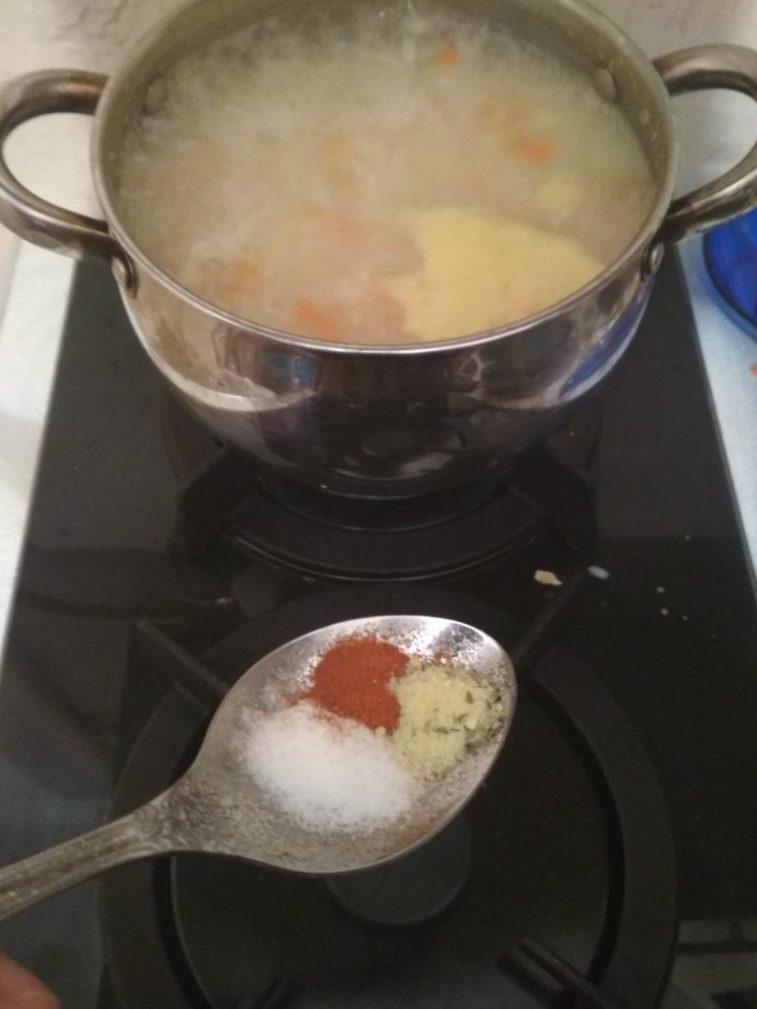 Фото рецепта - Детский куриный супчик с рисом - шаг 5