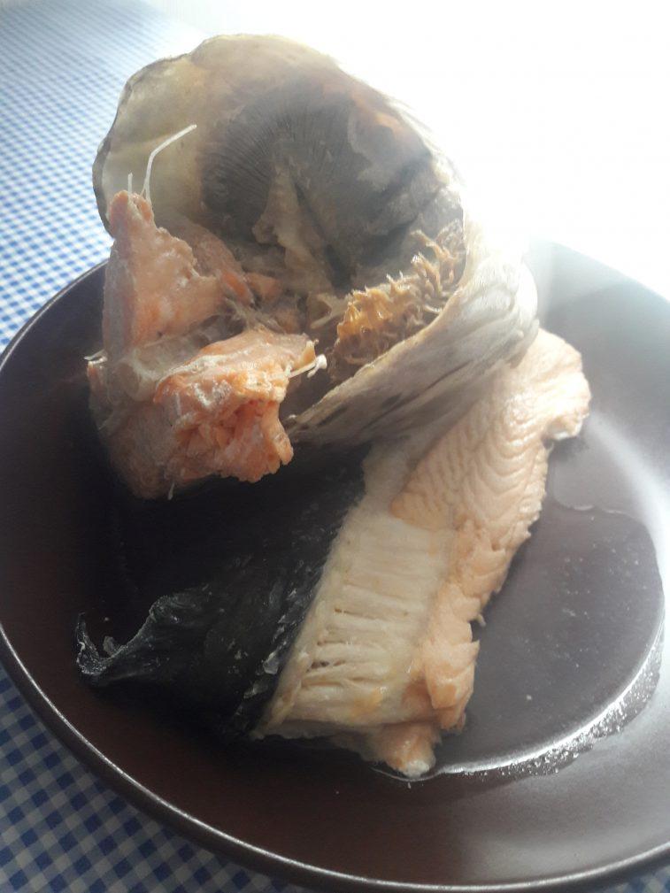 Фото рецепта - Уха из семги с овощами - шаг 6