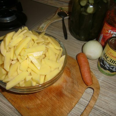 Фото рецепта - Сборная мясная солянка – вкусный суп по-наумовски - шаг 2