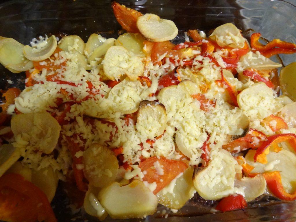 Фото рецепта - Говяжьи отбивные под овощной шубой - шаг 10