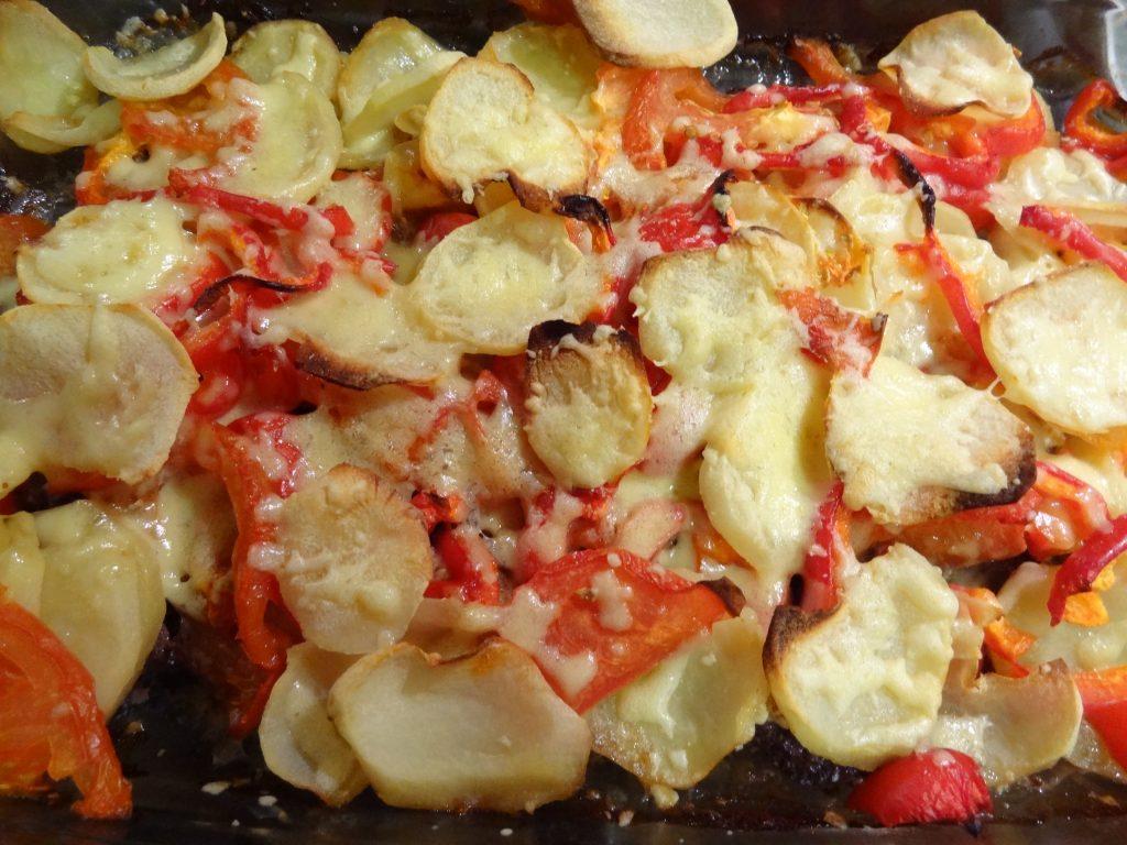 Фото рецепта - Говяжьи отбивные под овощной шубой - шаг 11