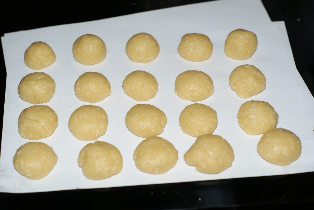 Фото рецепта - Кокосовое печенье - шаг 4