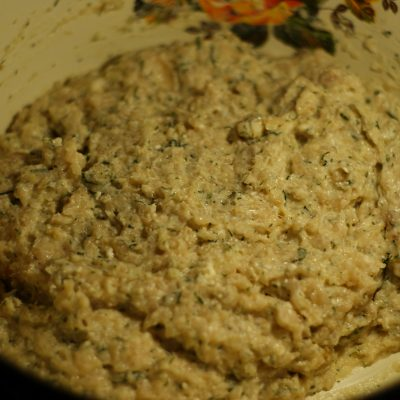 Фото рецепта - Нежные куриные котлеты с творогом - шаг 6