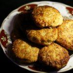 Фото рецепта - Нежные куриные котлеты с творогом - шаг 8