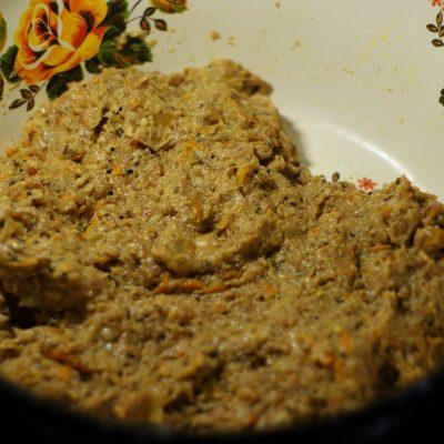 Фото рецепта - Ароматные свиные котлеты в сухарях - шаг 5