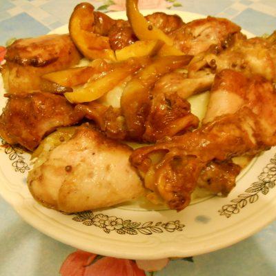 Фото рецепта - Куриные голени в соевом соусе с манго, запечённые в рукаве - шаг 6