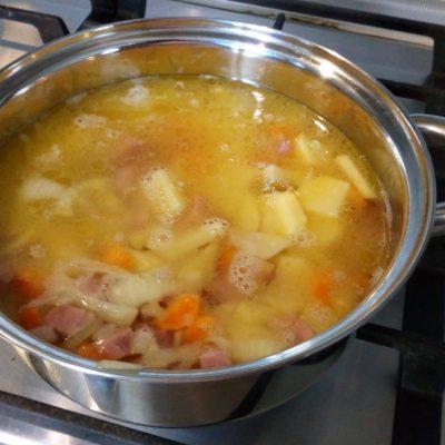 Фото рецепта - Вкусный сырный суп-пюре с ветчиной - шаг 3