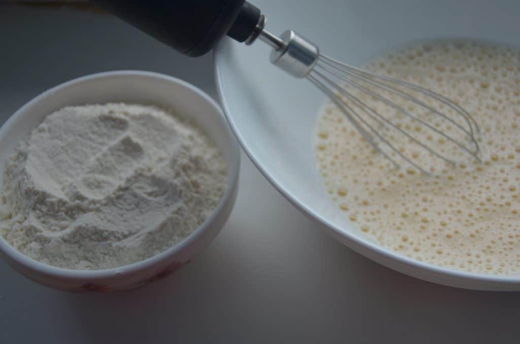 Фото рецепта - Нежные вафли на молоке - шаг 3