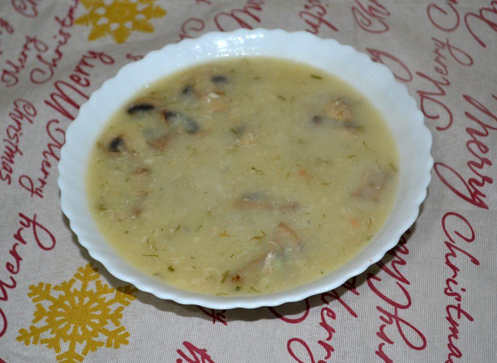Фото рецепта - Куриный суп-пюре с грибами - шаг 9