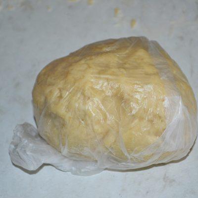 Фото рецепта - Яблочный штрудель. Вытяжное тесто - шаг 3