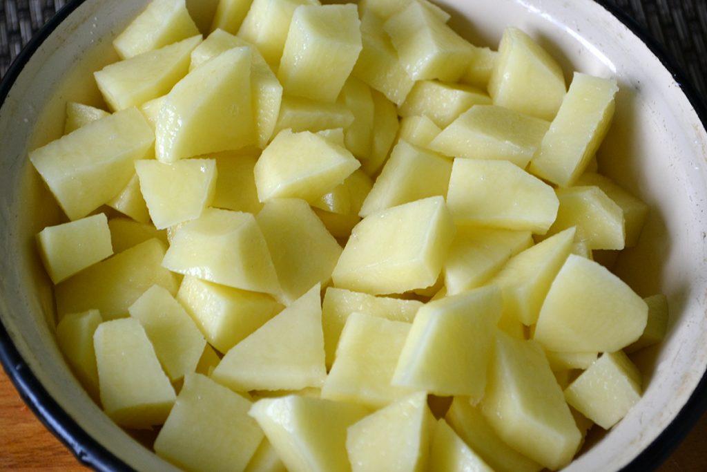 Фото рецепта - Сливочно-сырный суп с вермишелью - шаг 4