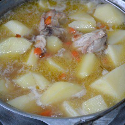 Фото рецепта - Жаркое с курицей и грибами - шаг 6