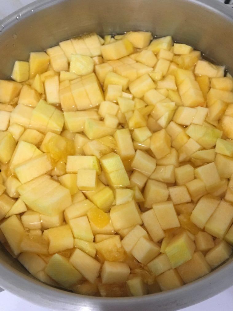 Фото рецепта - Рисовая каша с тыквой на молоке - шаг 4
