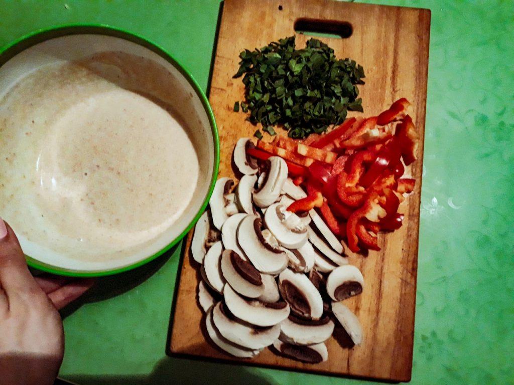 Фото рецепта - Свиные тефтели с рисом и шампиньонами - шаг 5
