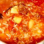 Острый говяжий суп с томатами и рисом