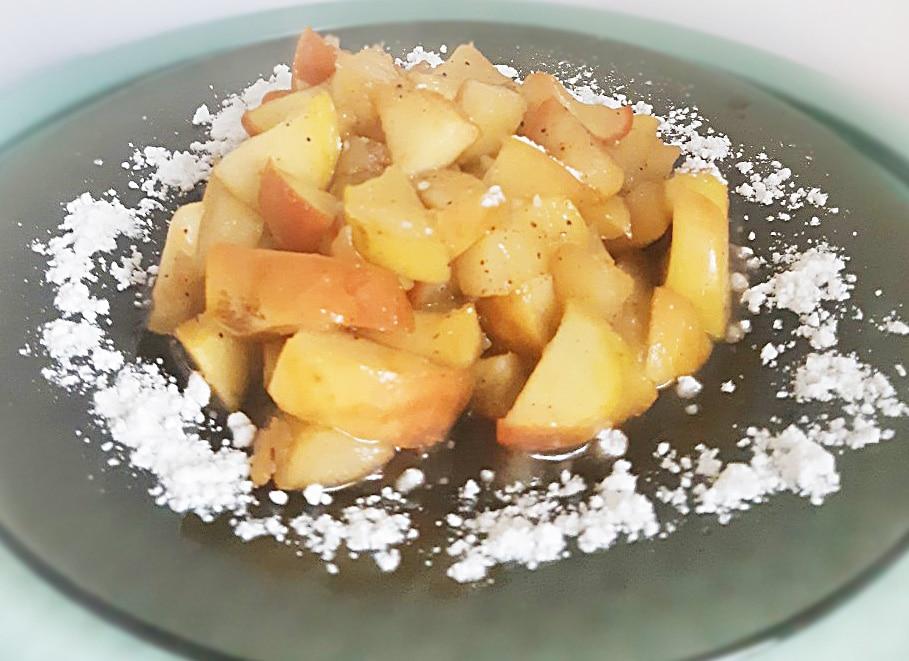 Жареные яблоки в карамели
