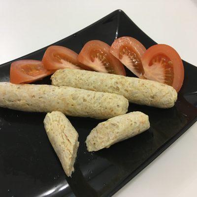 Домашние куриные сосиски с сыром в пленке - рецепт с фото