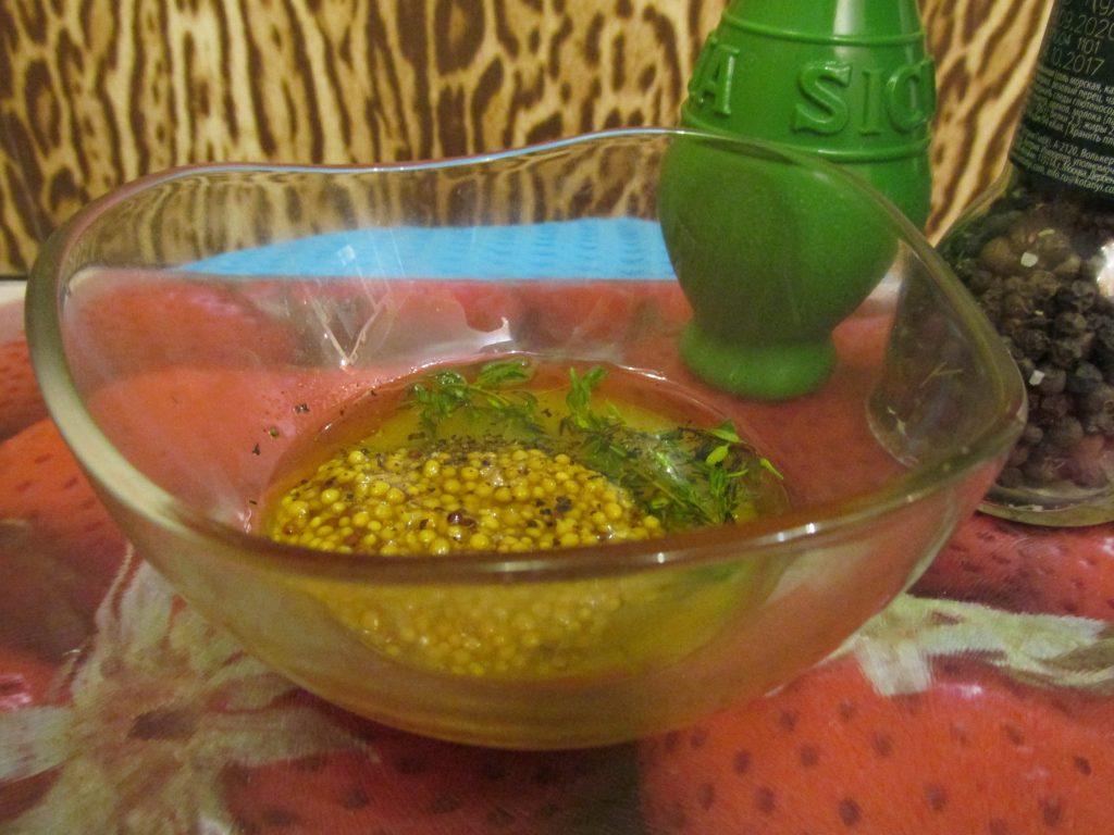 Фото рецепта - Салат с тунцом, авокадо и пекинской капустой - шаг 3