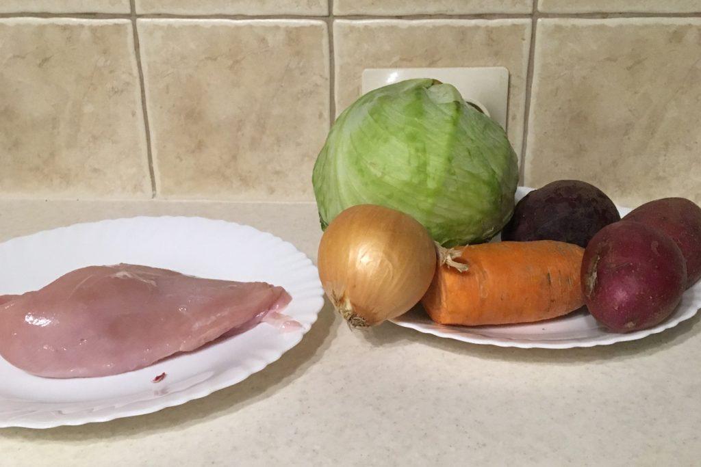 Фото рецепта - Борщ классический на куриной грудке - шаг 1