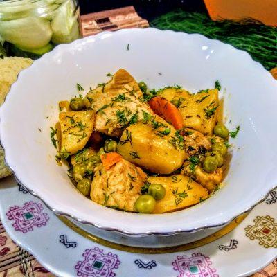Рагу из свинины с картофелем и зеленым горошком - рецепт с фото