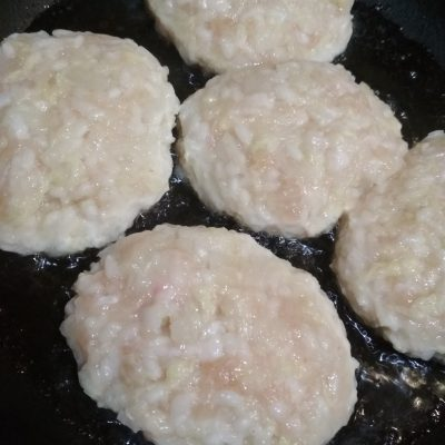Фото рецепта - Ленивые голубцы с пекинской капустой, куриным фаршем и рисом - шаг 5
