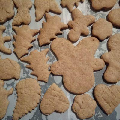"""Фото рецепта - Имбирное печенье """"Веселого Рождества"""" - шаг 6"""