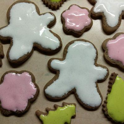 """Фото рецепта - Имбирное печенье """"Веселого Рождества"""" - шаг 8"""