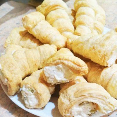 Закусочные трубочки с салатом из курицы и огурца - рецепт с фото