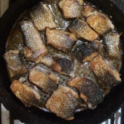 Фото рецепта - Жареный пеленгас на сковороде - шаг 4