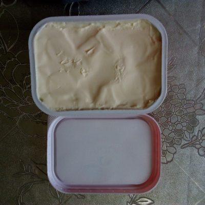 Фото рецепта - Рулет с семгой и сливочным сыром - шаг 1