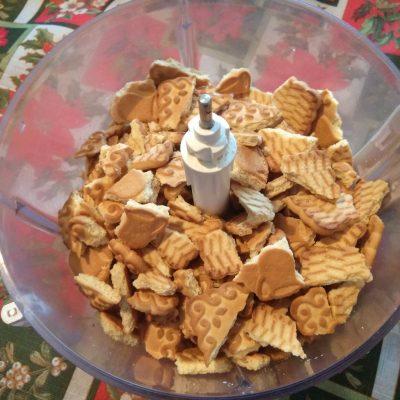Фото рецепта - Домашние конфеты из сахарного печенья с бананами - шаг 2