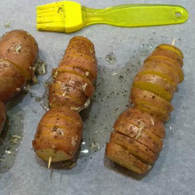Фото рецепта - Печеный картофель в оригинальном исполнении - шаг 4