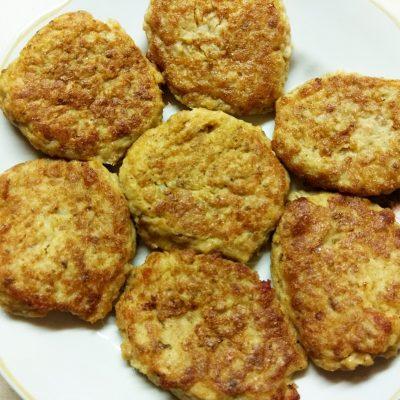 Котлеты лососевые с картофельным пюре - рецепт с фото