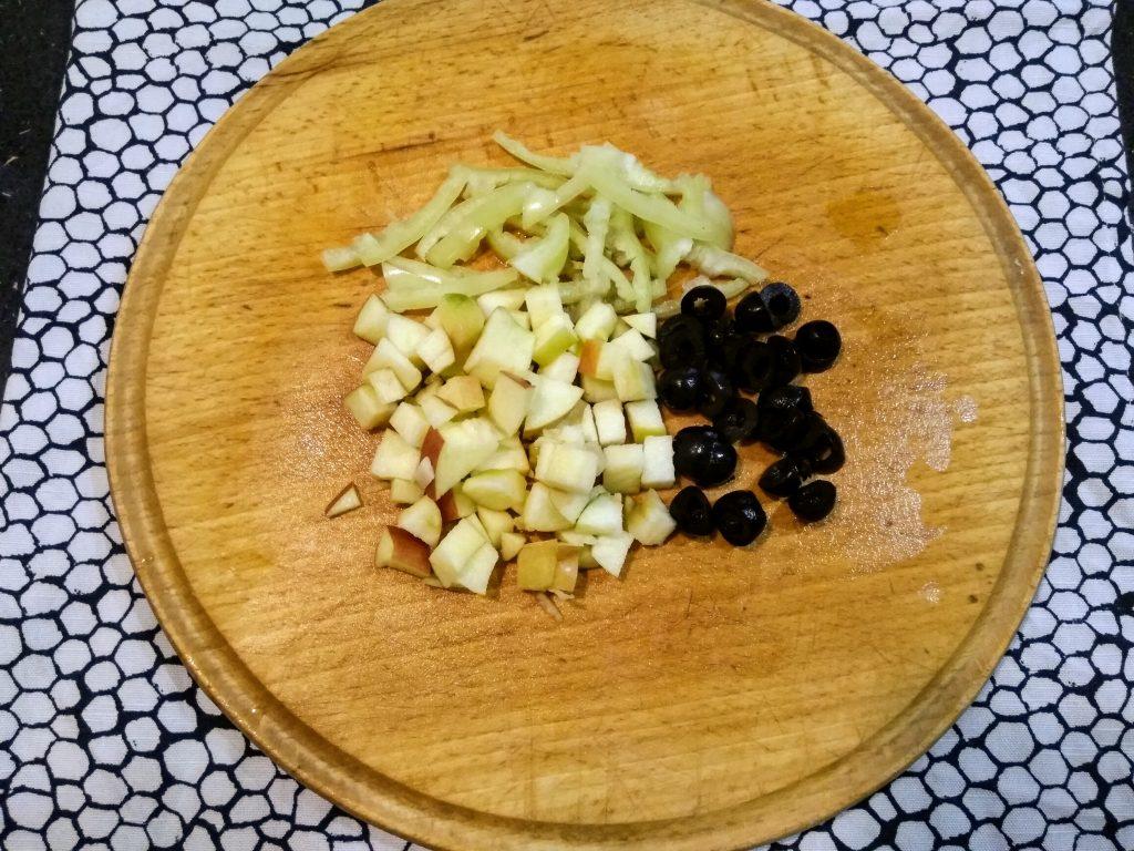 """Фото рецепта - Вегетарианский борщ """"Три капусты"""" с яблоком - шаг 3"""