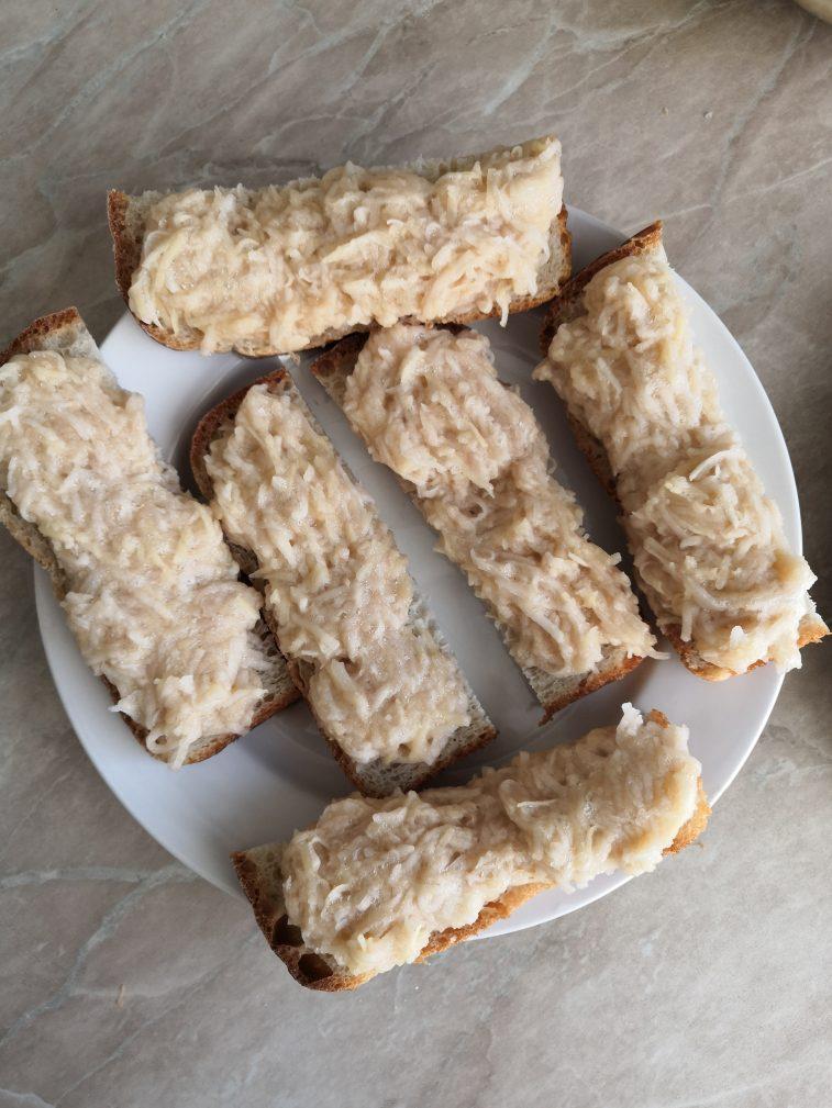 Фото рецепта - Картофельные драники на хлебе - шаг 5