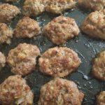 Фото рецепта - Котлеты из фарша в духовке - шаг 5