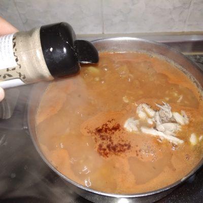 Фото рецепта - Чечевичный суп на курице - шаг 13