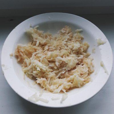 Фото рецепта - Яблочно-банановые оладьи - шаг 1
