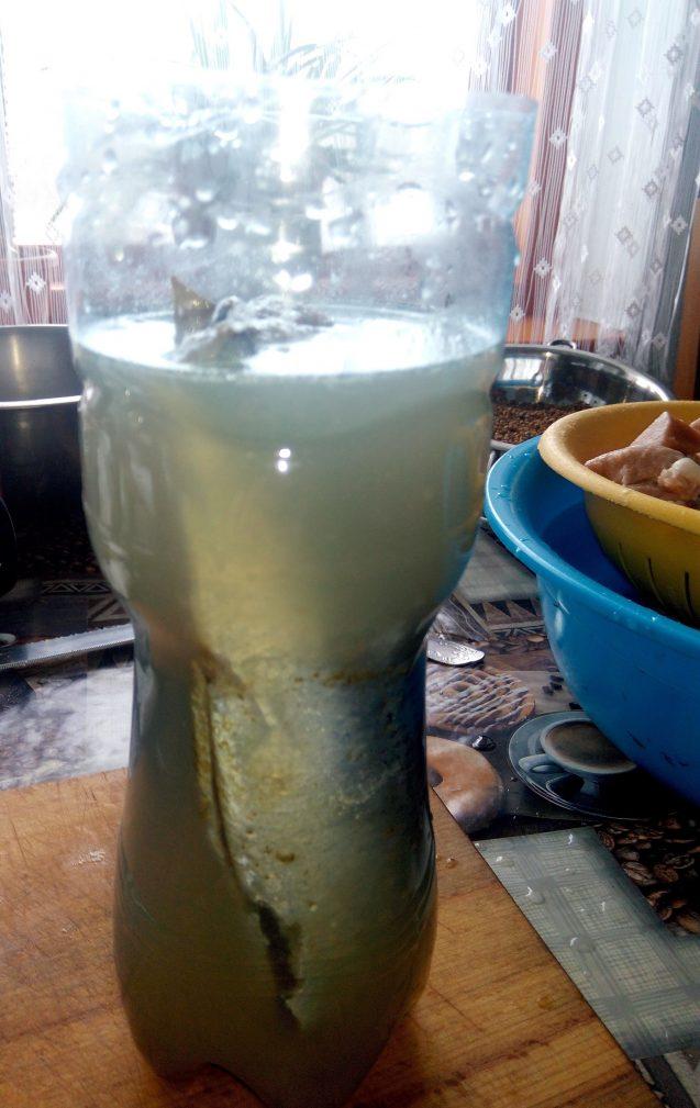 Фото рецепта - Селедка маринованная с пряностями, по-домашнему. - шаг 3