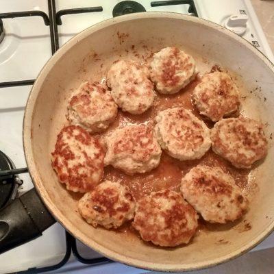 Фото рецепта - Быстрые куриные котлеты в блендере - шаг 6