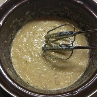 Фото рецепта - Банановый хлеб с грецкими орехами - шаг 2