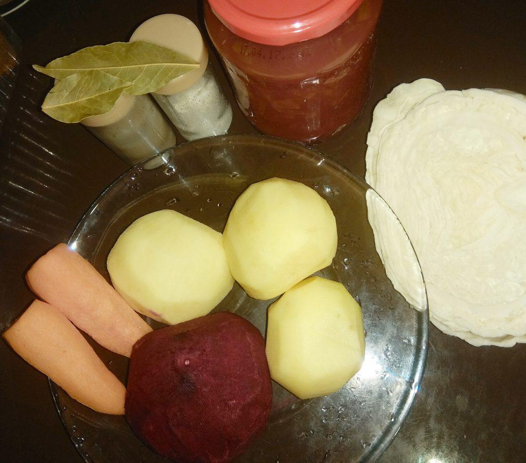 Фото рецепта - Борщ вегетарианский с чесночными гренками - шаг 1