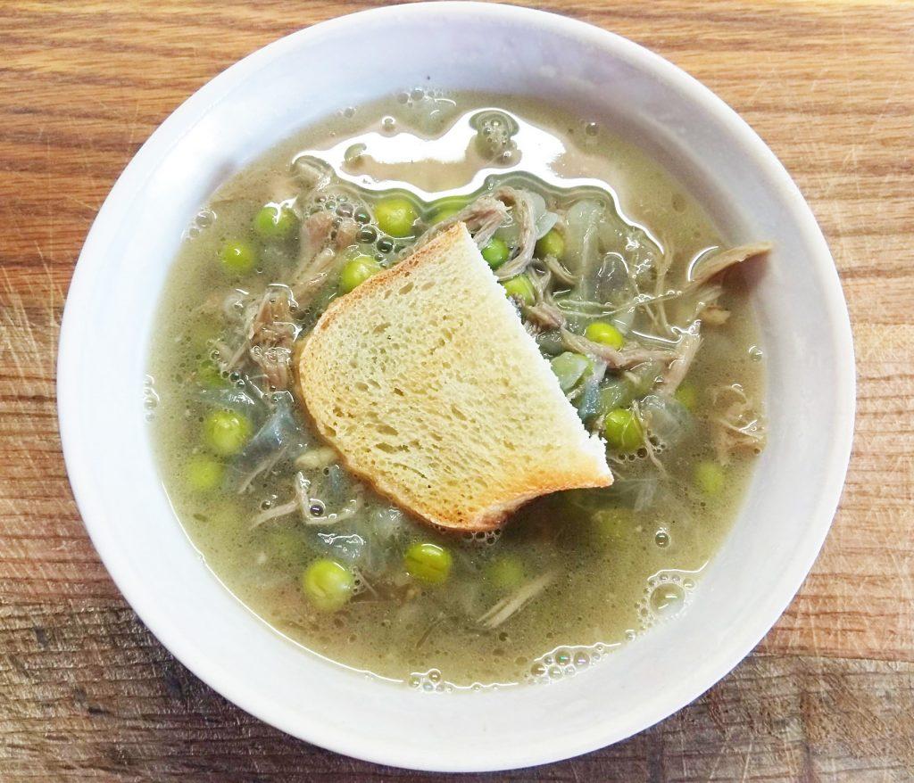 Фото рецепта - Гороховый суп с утиным конфи и чесночными гренками - шаг 5