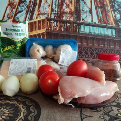 Фото рецепта - Отбивная куриная грудка с грибами и томатами - шаг 1