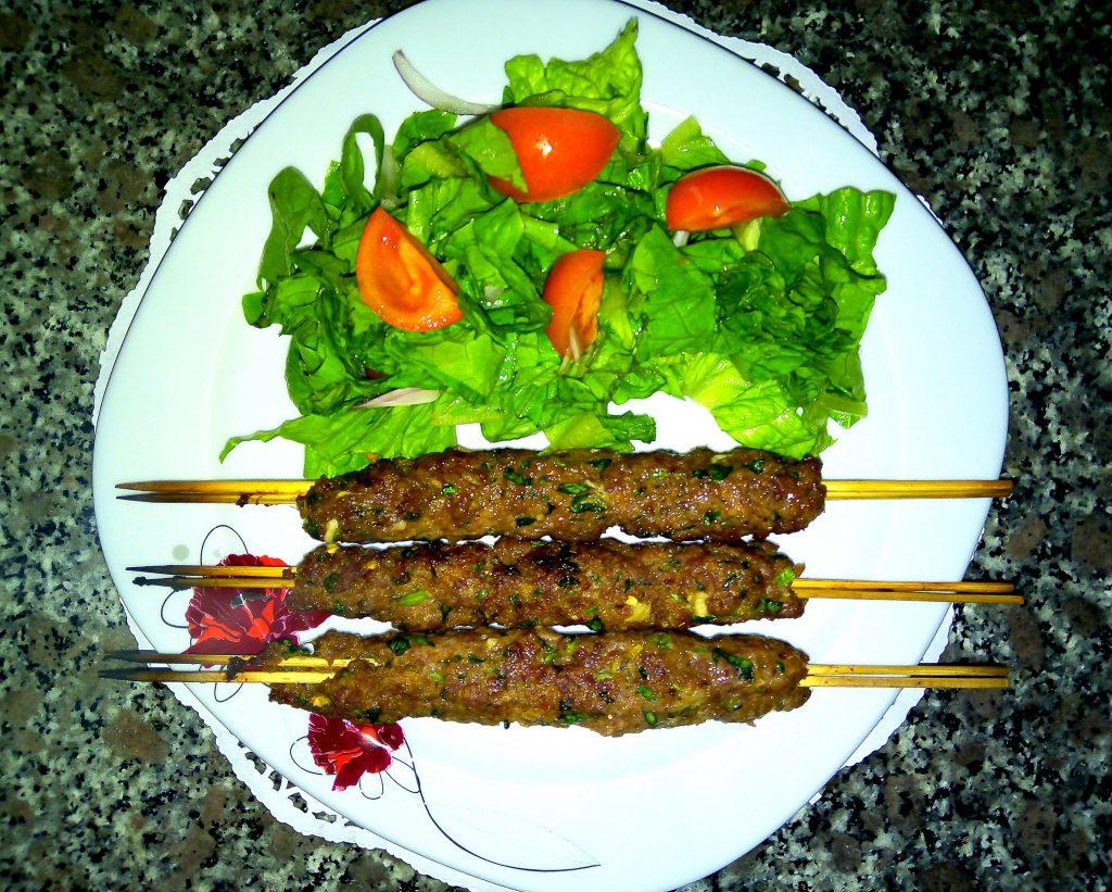 Фото рецепта - Турецкий шиш из говядины – кёфте по домашнему - шаг 5