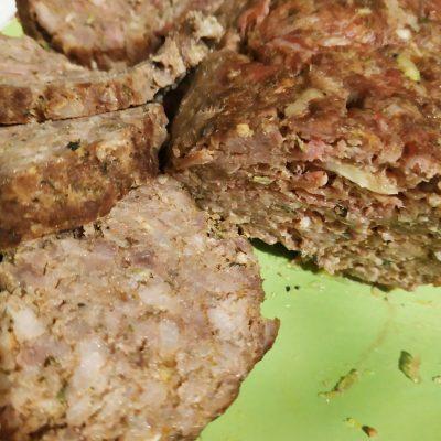 Мясной рулет из свинины (колбаса) - рецепт с фото