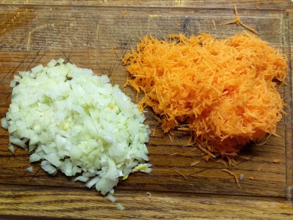 Фото рецепта - Болгарский перец, фаршированный свиным фаршем и шампиньонами - шаг 2